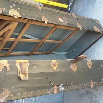 Keystone wardrobe trunk (P&H) - Furniture