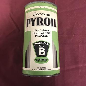 Rare Pyroil oil can  - Petroliana