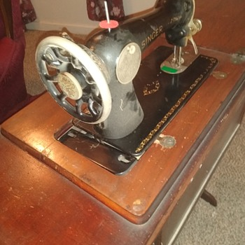 My grandmother's old sewing machine - Sewing
