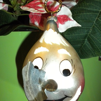 Beloved Christmas Ornament: Broken ... need some info ... want to repair or replace - Christmas
