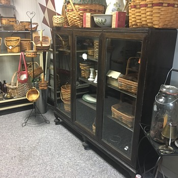 Unkown Age Bookcase/Display case
