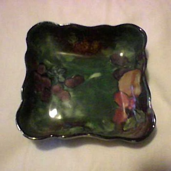 STOKE ON TRENT TRAY - Pottery