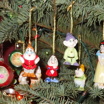 Snow White and the Seven Dwarves Christmas Ornaments Bone China - Christmas