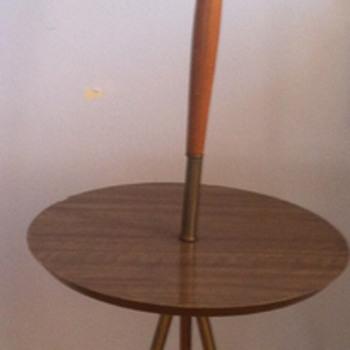 Mid century modern floor lamp. - Lamps