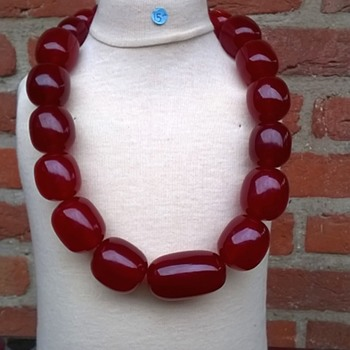 Massive Cherry Red Amber Bakelite Necklace Thrift Shop Find $15.00 - Costume Jewelry