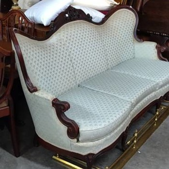 Awe Inspiring Antique And Vintage Sofas Collectors Weekly Pdpeps Interior Chair Design Pdpepsorg