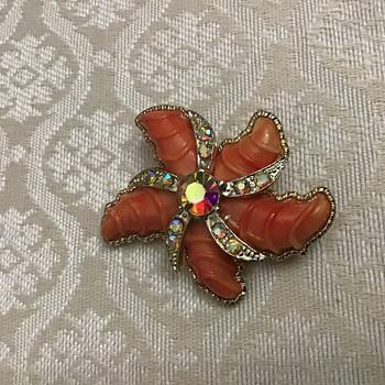 Starfish brooch - Costume Jewelry