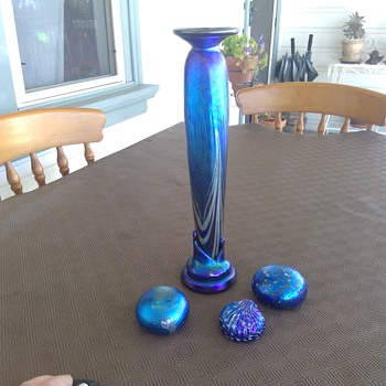 Colin Heaney Tall Vase and 3 Paperweights - Art Glass