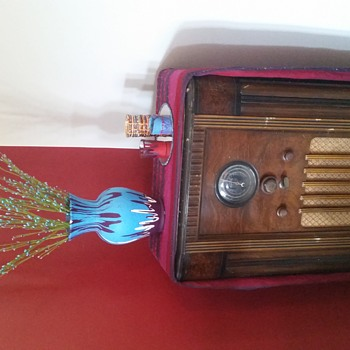 Looking for year of my Rogers floor radio