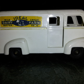 Ideal Dairy Farm  Plastic Delivery Van