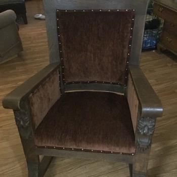My family oak rocker - Furniture