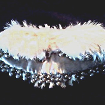 "Ivory Rabbit Fur and Faux Pearl Peter Pan Collar /Made in Japan for ""Baar & Beards Inc."" / Circa 1940-50"