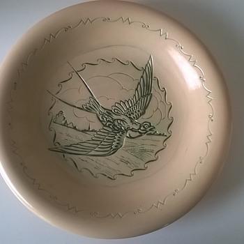 Unusual Intaglio Swallow Glazed Terracotta Plate - Pottery