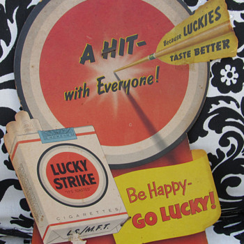 LUCKY STRIKE CARDBOARD SIGN, BE HAPPY-GO LUCKY - Tobacciana