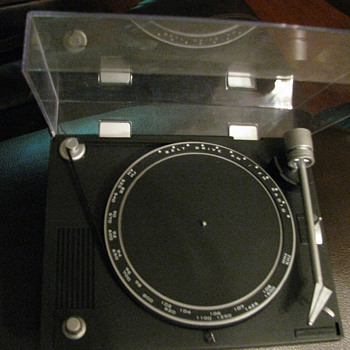 Small turntable Radio