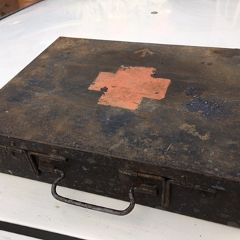 WW1 Soldier's Personal documents Box