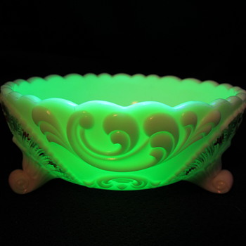 Custard glass, 3 footed bowl, painted with glass? - Glassware