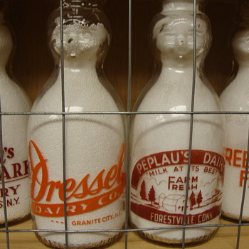 DRESSEL DAIRY (GRANITE CITY ILLINOIS) & PEPLAU'S DAIRY (FORESTVILLE CONNECTICUT) BABY TOP MILK BOTTLES - Bottles