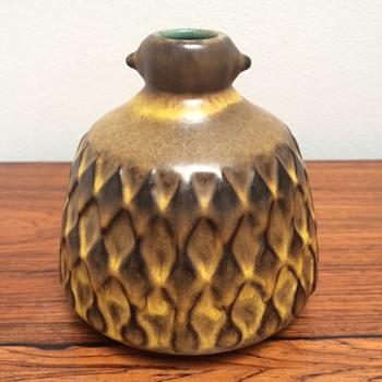 German vase? Signed - Pottery