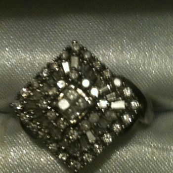 Diamond Vintage? Antique Baquete Ring - Fine Jewelry