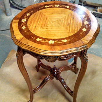 Old inlay table - Furniture