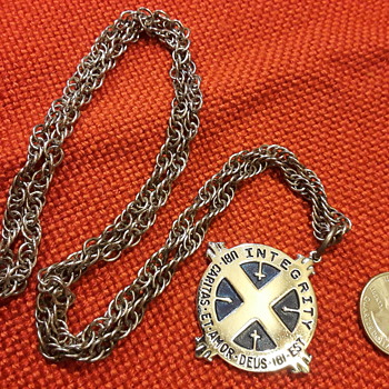 INTEGRITY UBI CARITAS ET AMOR pendant/medal on chain - Medals Pins and Badges
