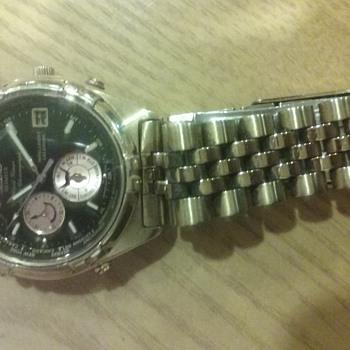 Seiko Analogue World Timer Alarm Chronograph