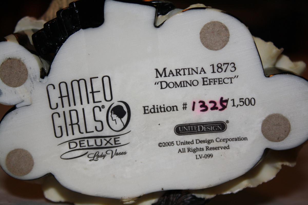 Martina 1873 domino effect cameo girls lady vase collectors martina 1873 domino effect cameo girls lady vase collectors weekly reviewsmspy