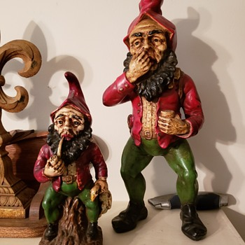 Antique metal gnome snorting snuff hand painted  - Figurines