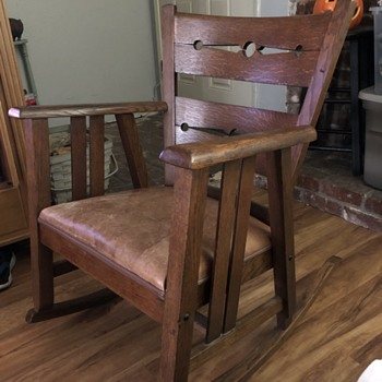 Antique oak rocker with leather seat - Furniture