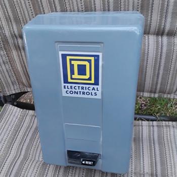 SQUARE D motor control contactor - Electronics