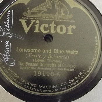 1920's signed Victor record. Thrift store find.  - Records