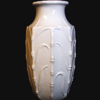 "Enormous Western Germany Vase""White Clay"", Carstens Tönnieshof  1945-1984 - Pottery"