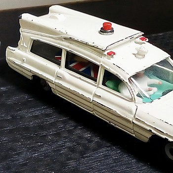 Dinky Toys Ambulance - Model Cars