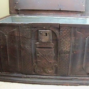 Religious chest lined with metal  - Furniture