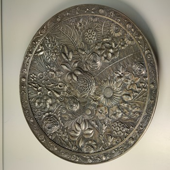 Reed and Barton floral silver plate dish - Silver