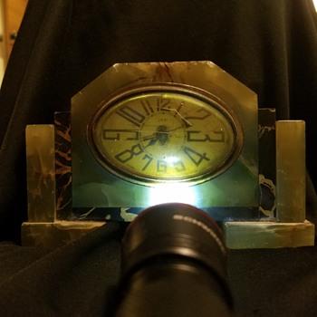 Marble Antique Mantel Clock. - Clocks