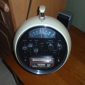 Fun old Welltron radio from early 1970s