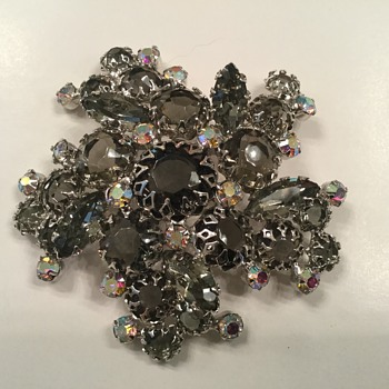 D and E...or is it? - Costume Jewelry