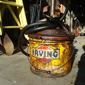 irving grease  can  - Petroliana
