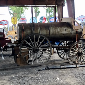 Fuel Delivery Wagon - Petroliana