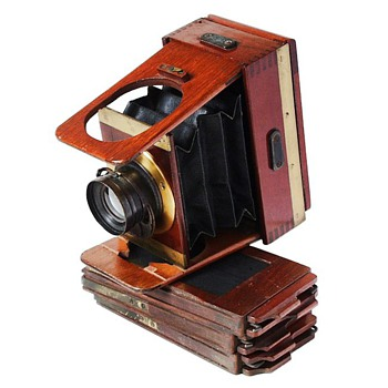 Teeny Tiny Wood & Brass Camera - c.1900 Shew Xit