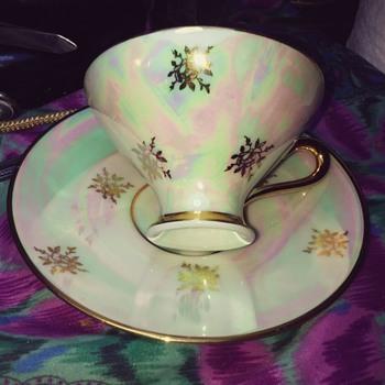 bavaira tea cup and sacuer - Pottery