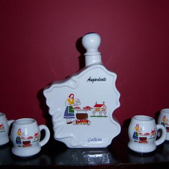 Augardente  Galicia Brandy Liquor Decanter Flask with Cups Glasses Set
