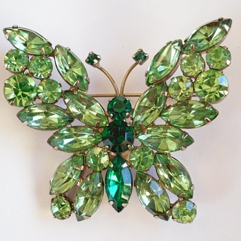 Vintage WEISS Green Rhinestone BUTTERFLY Brooch Pin
