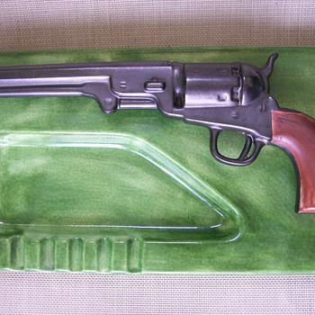 Colt 45 Ashtray Holland Mold - Tobacciana