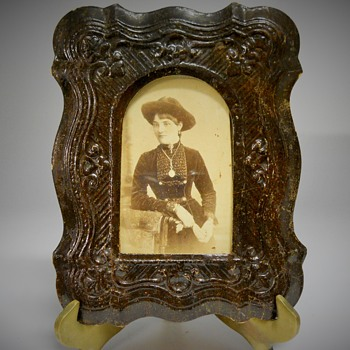 CDV-Victorian Young Woman, Park & Co, Brantford,Ontario, Last Quarter 19 century - Photographs