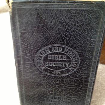 Vintage bible  - Books