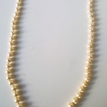 Graduated Champagne Color Pearl Choker/Sterling Clasp Flea Market Find $1.50 - Fine Jewelry