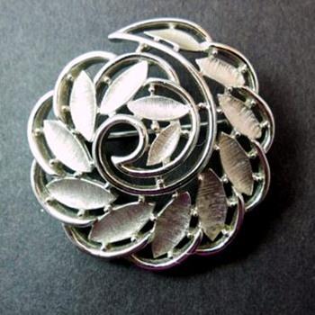 Pretty Trifari Brooch - Costume Jewelry